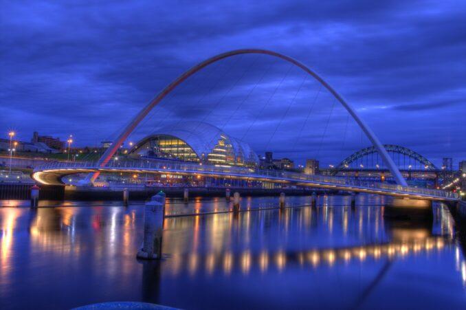 Millennium bridge at dusk